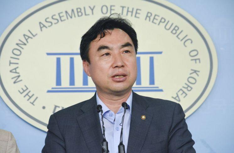 더불어민주당 윤관석 의원
