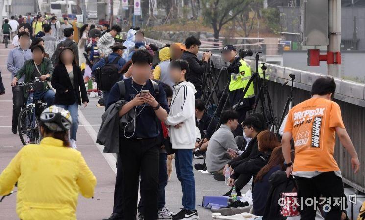 [포토] 불꽃축제롤 몰리는 시민들