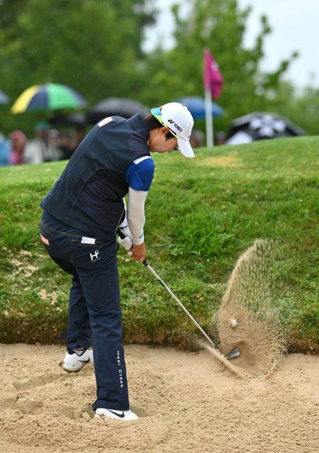 김효주가 에비앙챔피언십 최종 4라운드 당시 14번홀에서 벙커 샷을 하고 있다.