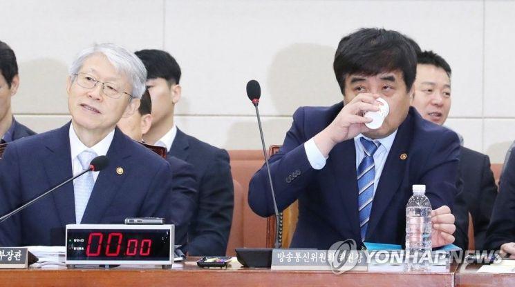 """최기영·한상혁 첫 상견례 시기조율...""""앙금 풀고 협업 물꼬 트나"""""""