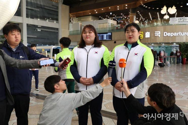 [포토] 인터뷰하는 이선미-박혜정