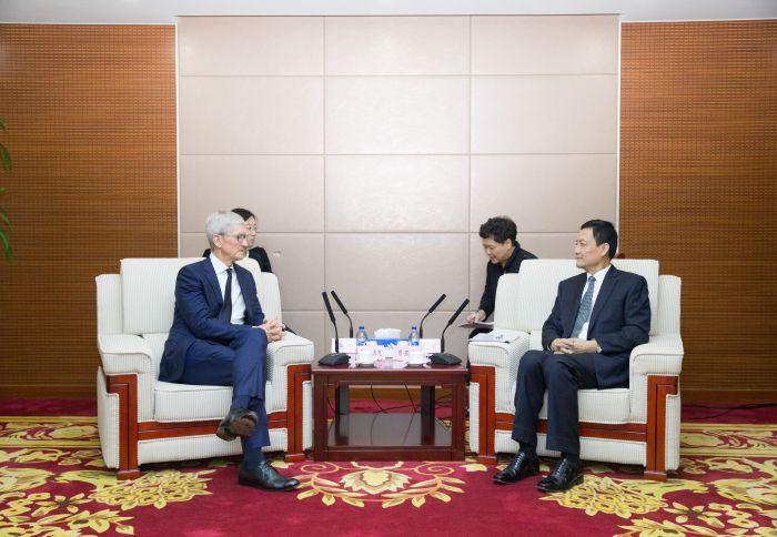 '홍콩시위 지지 앱 삭제' 애플 CEO, 중국 베이징 방문