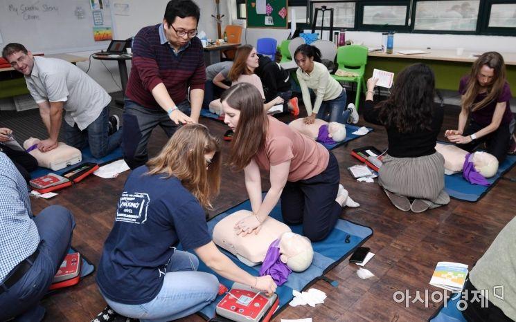 [포토] 서초구, 외국인학교서 응급처치 교육