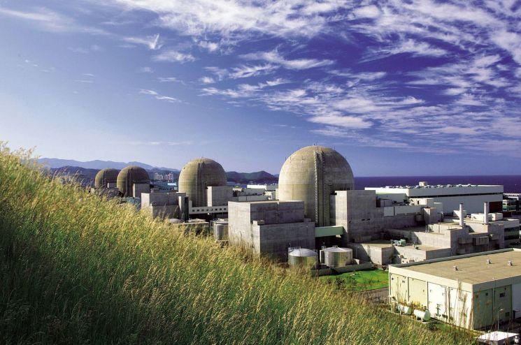 한울 원자력발전소 전경. 지난 6일 '백색 방사선비상'이 발령됐습니다. 태풍의 영향 때문입니다. 언제까지 원전이 안전하리라는 불안한 믿음을 유지해야 할까요 [사진=울진원자력발전]