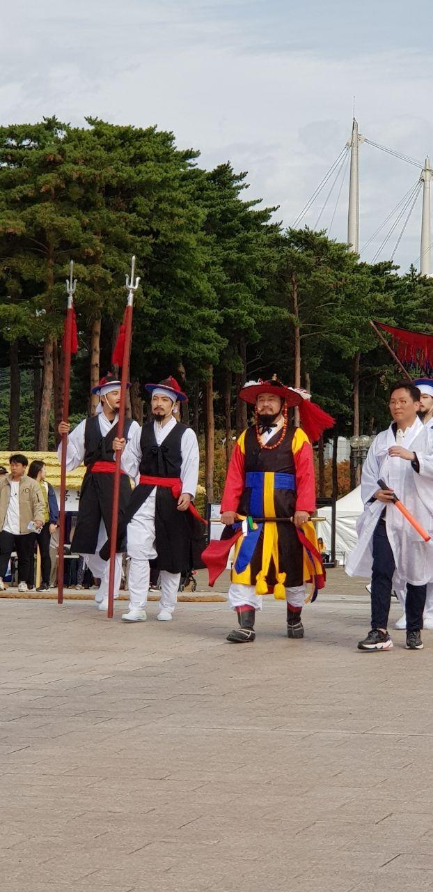 서울 월드컵공원 일대 제12회 마포새우젓축제로 인파 '북적'