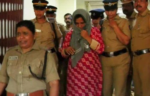 한 인도 여성이 남편 등 시가 식구 6명을 독살한 혐의로 재판에 넘겨졌다. / 사진=연합뉴스