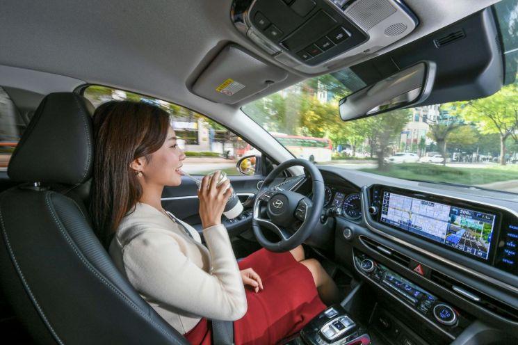 현대기아차, AI 기반 '레벨 2.5 자율주행' 기술 최초 개발