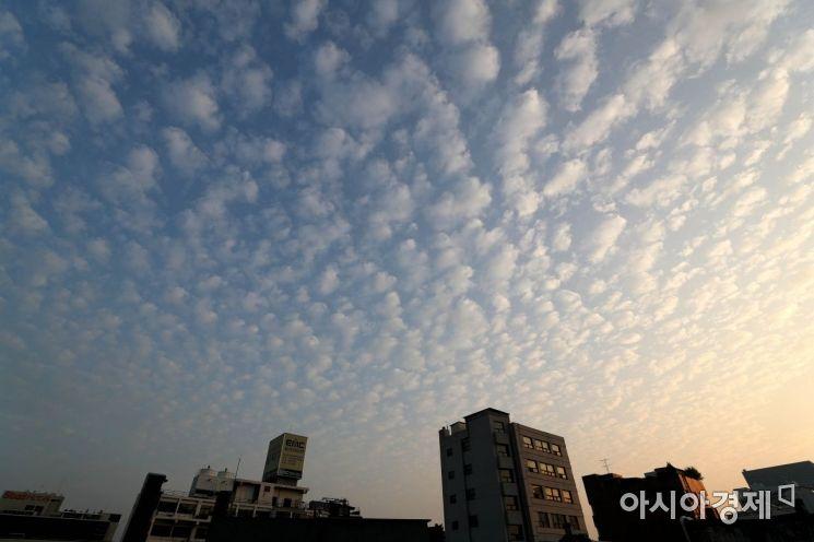 [포토]서울 하늘에 뜬 양떼구름