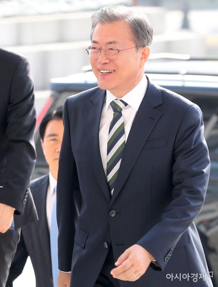 [포토] 밝은 모습의 문재인 대통령