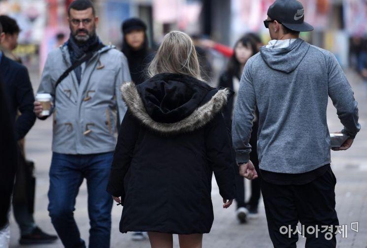 [포토] 두터워진 옷차림