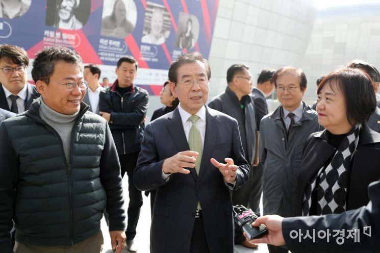 [포토]제일평화시장 특별판매전 찾은 박원순