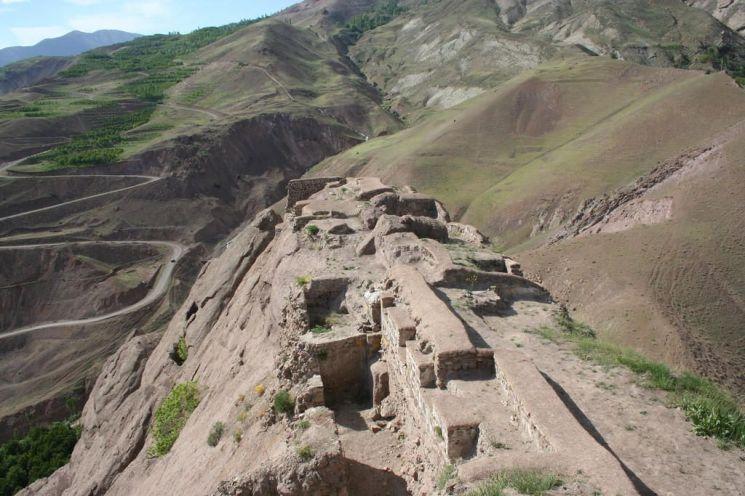 아사신파의 근거지였던 곳으로 알려진 알라무트 요새 터의 모습(사진=위키피디아)