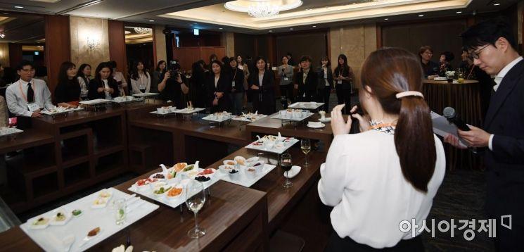 [포토] 멘티들의 어려움 들어주는 참가자들