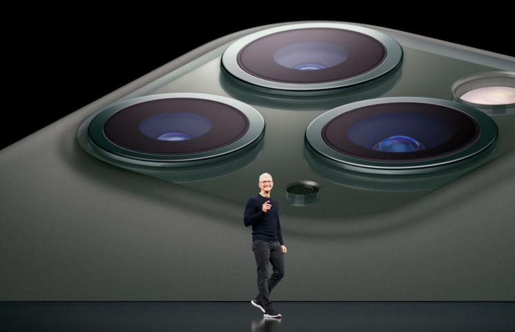 '넥스트 아이폰'은 AR 글라스…애플 2023년 공개