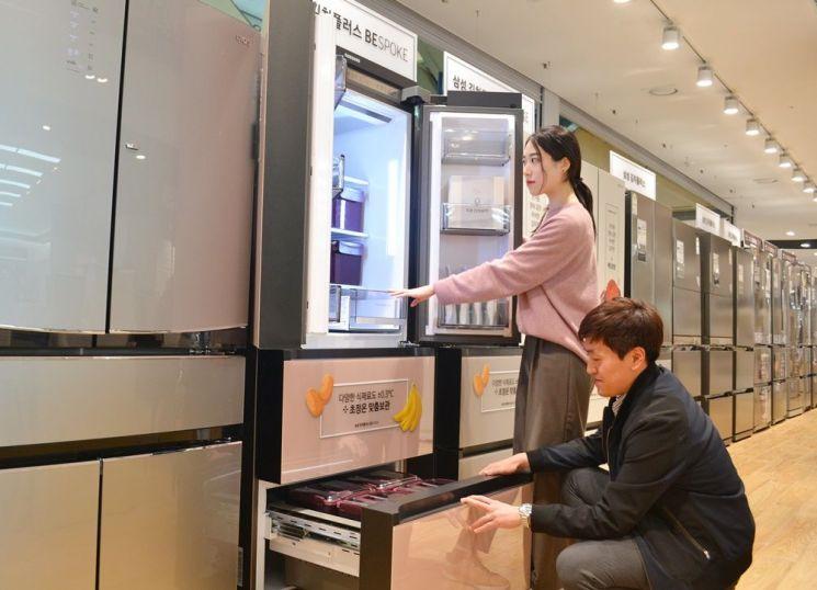 교체주기 다가오는 김치냉장고…대용량이 인기(종합)