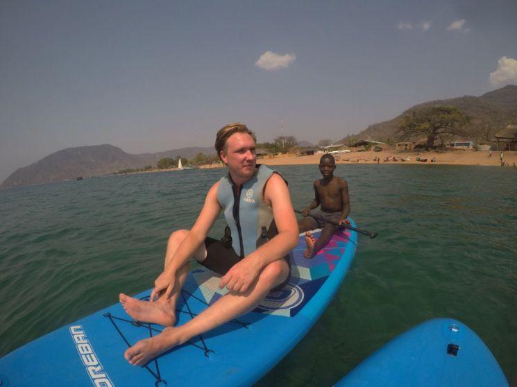 아프리카 말라위 호수에서 수영한 뒤 기생충에 감염된 영국인 제임스 마이클(32)/사진=영국 더 선 캡처