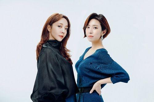 롯데홈쇼핑 '조윤주쇼' 조윤주 쇼호스트(좌), 문정민 쇼호스트(우)
