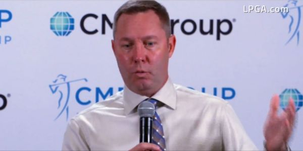 마이크 완 LPGA 커미셔너가 2020시즌 일정을 발표하고 있다. 사진=LPGA