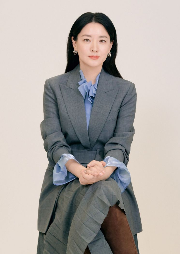 배우 이영애, 서울대와 중소기업 돕는다