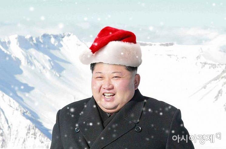 """북·미대화의 연말시한을 목전에 두고 김정은 북한 국무위원장이 백두산 자락의 양강도 삼지연을 다시 찾았다. 이날 리태성 북한 외무성 미국담당 부상도 담화를 통해 미국에 연말시한을 거듭 상기시키면서 """"크리스마스 선물로 무엇을 선정하는가는 전적으로 미국의 결심에 달려있다""""고 경고했다. <사진은 합성>"""