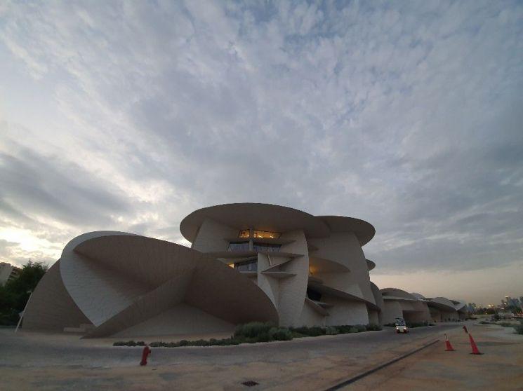 [다시 뛰자, 건설코리아]현대건설, 가장 쫄깃했던 현장은 '사막의 장미'