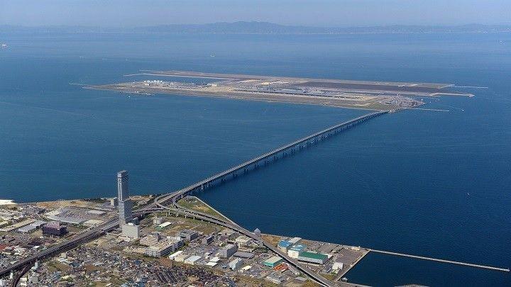 일본의 간사이공항은 대표적인 인공섬입니다. 이제는 이런 바다를 매립해 만드는 인공섬이 아닌 플로팅 형태의 대규모 떠있는 인공섬이 주력이 될 전망입니다. [사진=유튜브 화면캡처]