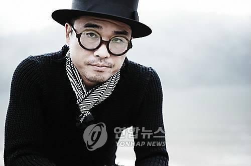 성폭행 의혹을 받는 가수 김건모 [이미지출처=연합뉴스]