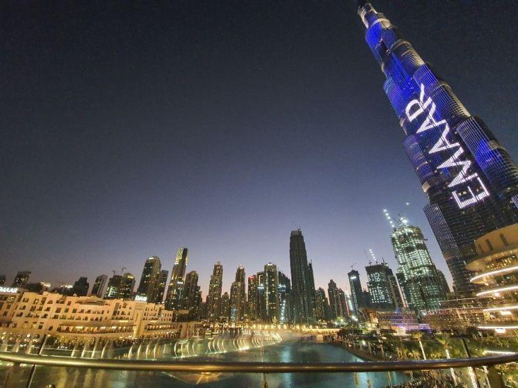 두바이 다운타운에 들어선 버즈 칼라파 빌딩을 비롯해 두바이는 글로벌 건설사들이 초고층 화려한 건축물의 각축장이 됐다.