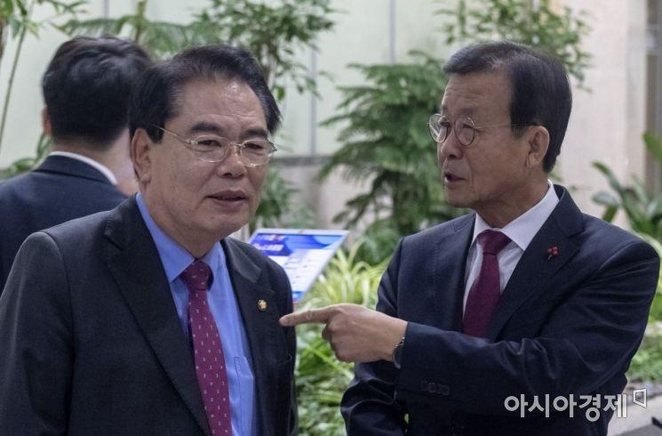 [포토] '민주당 중진의 용퇴'