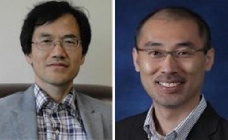 왼쪽부터 한국과학상 수상자인 오용근 기초과학연구원 단장, 안지훈 고려대 교수.