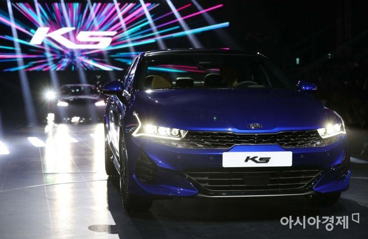 12일 서울 광진구 그랜드 워커힐 서울에서 기아자동차 신형 K5 출시 행사가 열리고 있다. /문호남 기자 munonam@