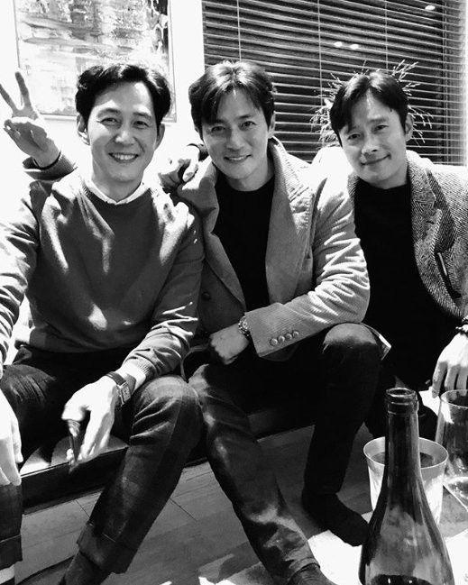 배우 이병헌은 14일 자신의 인스타그램을 통해 장동건, 이정재와 함께 촬영한 사진을 공개했다. / 사진=이병헌 인스타그램 캡처