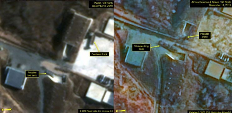 사진은 12월8일 촬영된 동창리 기지에서 포착된 연료 탑재 추정 트럭과 컨테이너 트럭(왼쪽), 12월11일 포착된 10m 길이의 트럭과 크레인으로 추정되는 물체의 모습. (사진=연합뉴스)