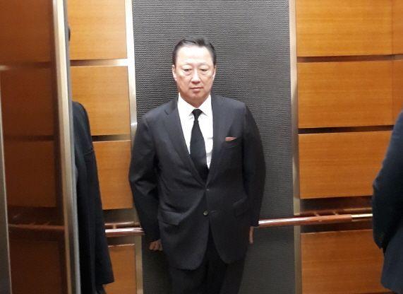 박용만 대한상공회의소 회장이 15일 시내 모 병원에 마련된 고 구자경 LG 명예회장 빈소를 찾아 조문했다./사진=이동우 기자