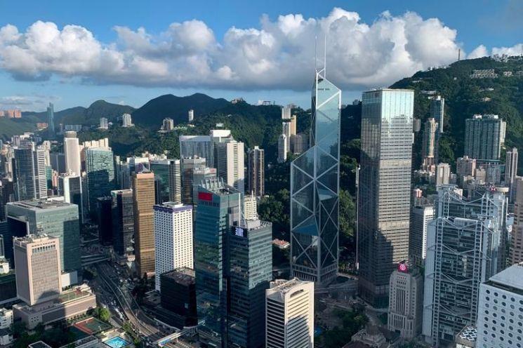한국계 은행과 글로벌 은행들이 몰려 있는 홍콩 센트럴 금융가. (출처 = 로이터연합뉴스)