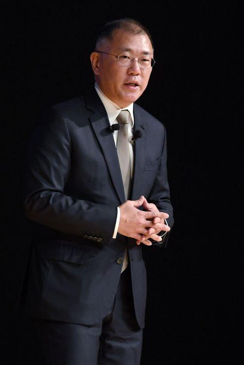 정의선 현대자동차 수석부회장이 지난 2일 서울 서초구 현대자동차 본사에서 열린 2020년도 현대자동차그룹 시무식에 참석해 신년사 하고 있다./김현민 기자 kimhyun81@