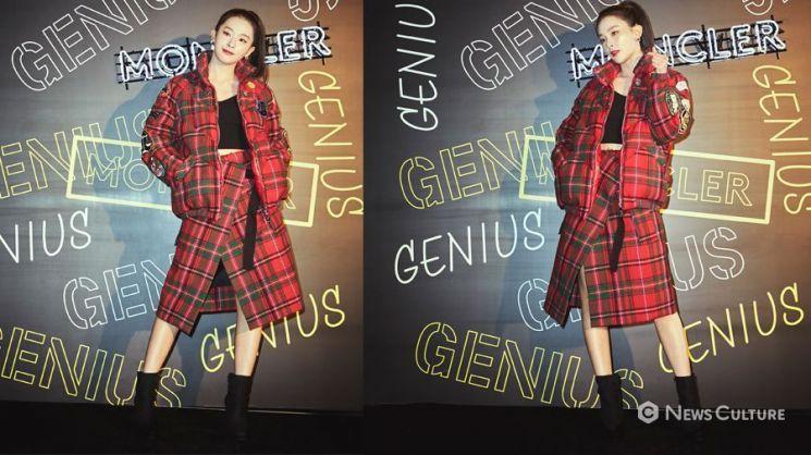 '레드벨벳' 슬기가 몽클레르 투피스(숏푸퍼패딩 + 랩스커트)를 착용했다. 사진=몽클레르
