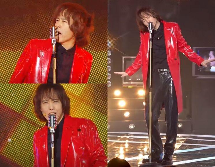 빛나는 레드 가죽 재킷. 사진=사진=MBC '쇼! 음악중심' 방송 화면