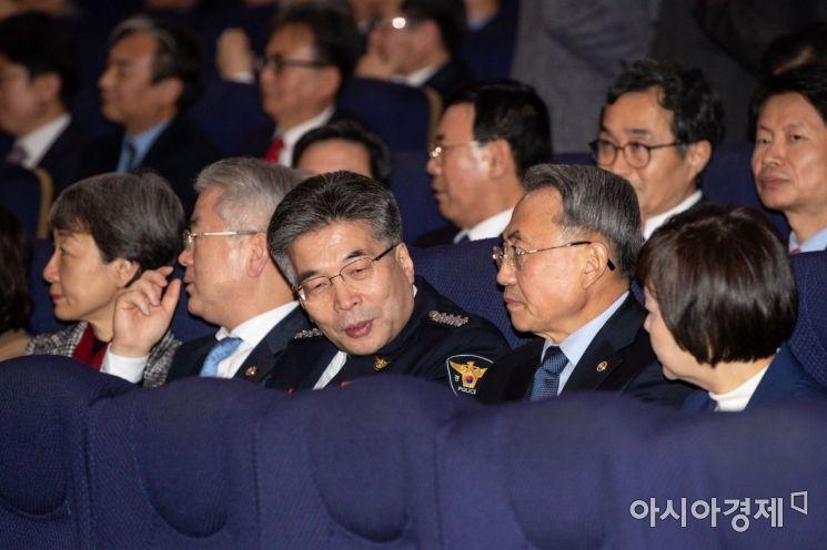 [포토]정세균 국무총리 취임식 참석한 민갑룡 경찰청장