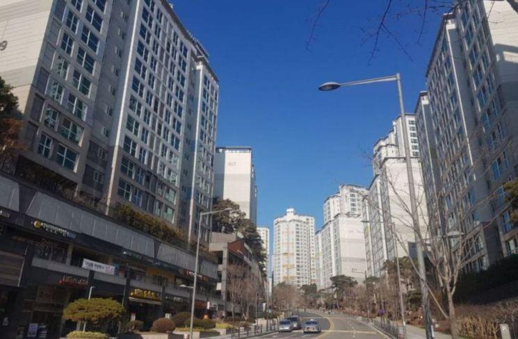 [12·16대책 한 달]강남은 '버티기', 세입자만 뺨 맞았다…3월 분수령(종합)
