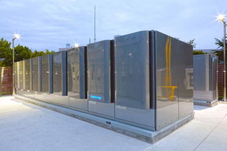 SK건설이 지난해 8월 공급ㆍ시공을 완료해 KT 대덕2연구센터에 설치한 연료전지(SOFC) 주기기 모습. (제공=SK건설)