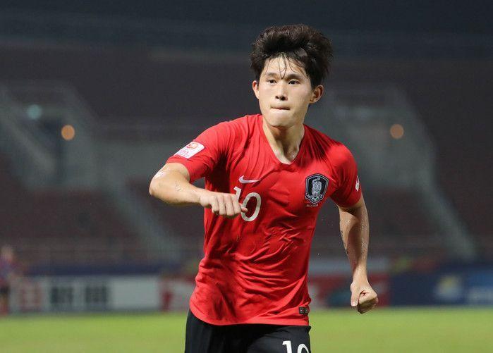 19일(현지시간) 태국 랑싯 탐마삿 스타디움에서 열린 2020 아시아축구연맹(AFC) U-23 챔피언십 한국과 요르단의 8강전에서 이동경이 후반 추가시간 결승골을 넣은 뒤 환호하고 있다. 사진=연합뉴스