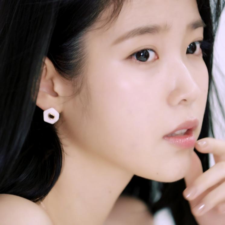 제이에스티나X아이유 '아이 핑크 유' 광고 영상.