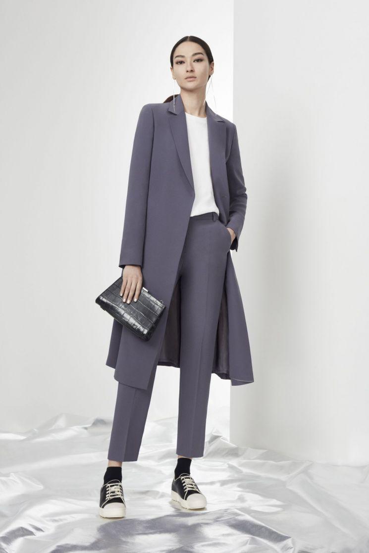 CJ ENM 대표 패션 브랜드 'VW베라왕' 20SS 컬렉션 론칭