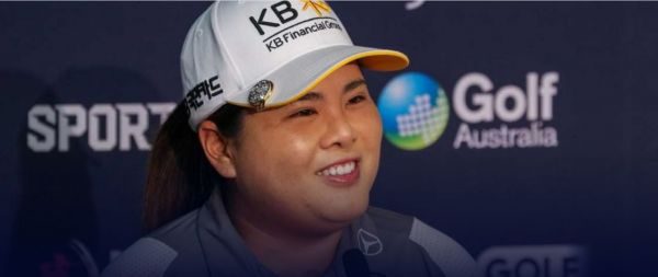 박인비가 ISPS한다호주여자오픈 공식 인터뷰에서 환하게 웃고 있다. 사진=LPGA
