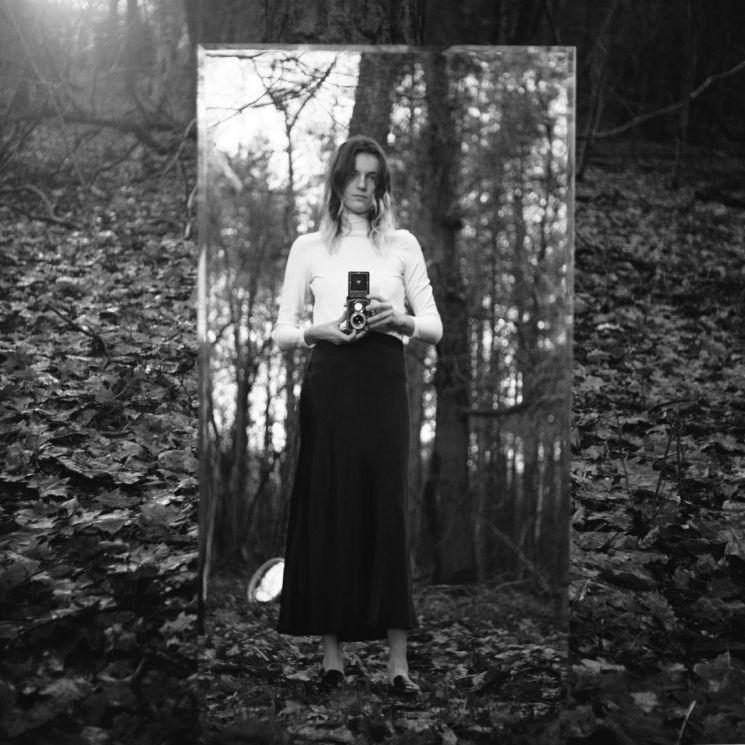 로라 캠프먼의 자화상. 사진=앤아더스토리즈
