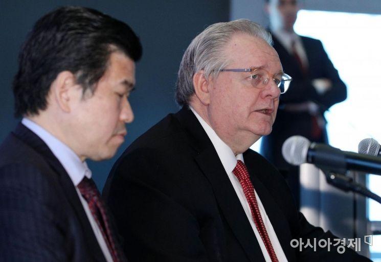 [포토] 발언하는 제프리 존스 암참 이사회 회장 - 아시아경제 [포토] 발언하는 제프리 존스 암참 이사회 회장