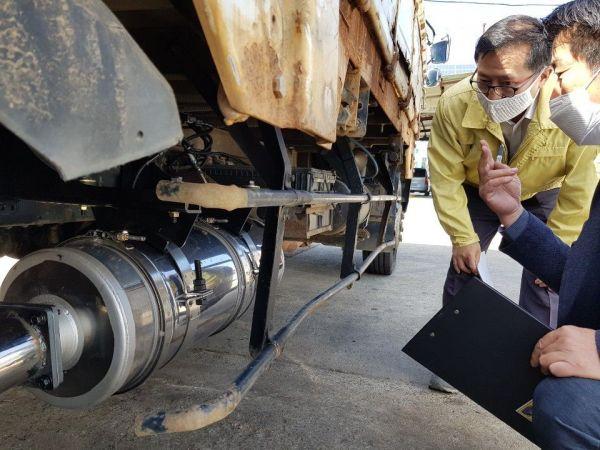 창원시는 노후경유차 제로를 앞당기고자 환경부에 조기폐차 보조금 지급 기준 변경을 건의했다고 2일 밝혔다.