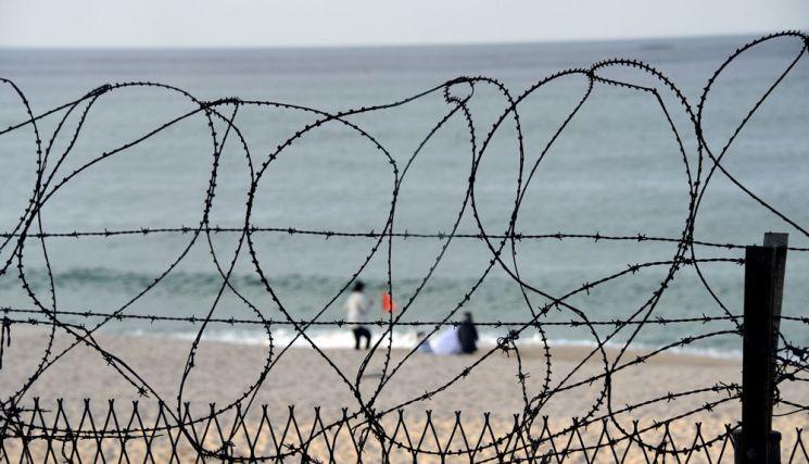 고성 해안 철조망은 올해 부분 철거 된다.