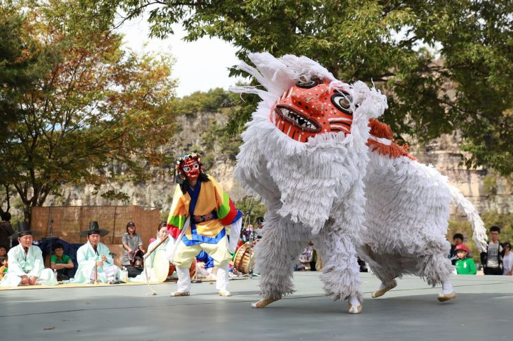 봉산탈춤(BongsanTalchum)